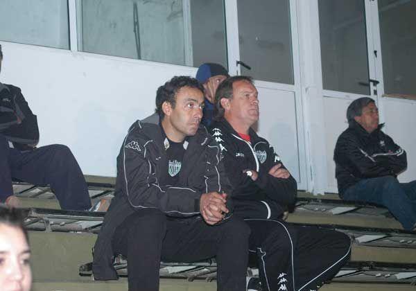 Cipolletti venció al último campeón