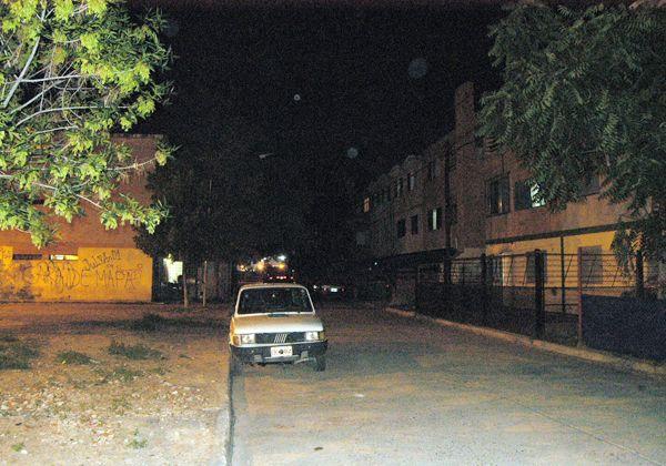 Casi 50 familias de las 300 pasaban la noche sin luz