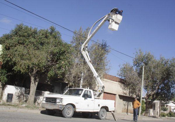 El municipio de Allen intensifica los trabajos en el alumbrado público
