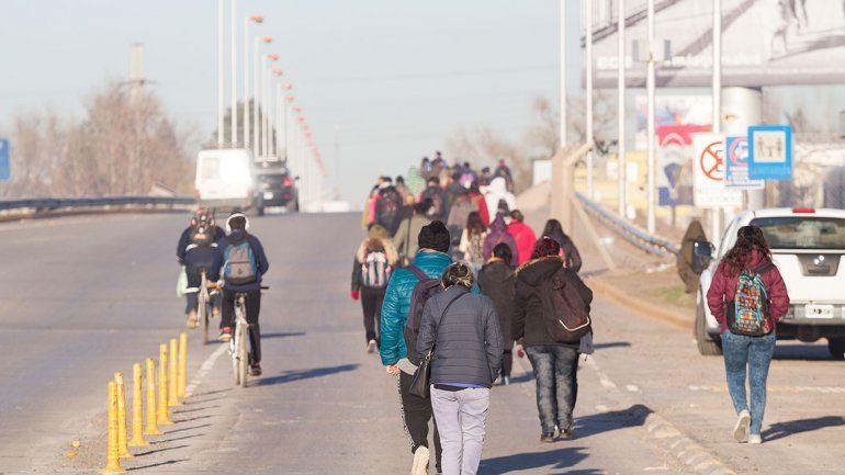 Se viene el caos con un bloqueo en el puente carretero y otras rutas
