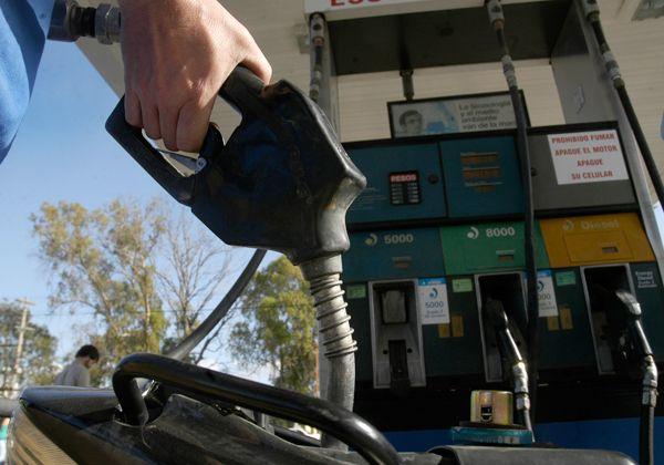 Subió 10 centavos el litro de nafta