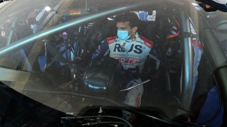 Manuel Urcera dentro del flamante Peugeot 408 del Turismo Nacional.