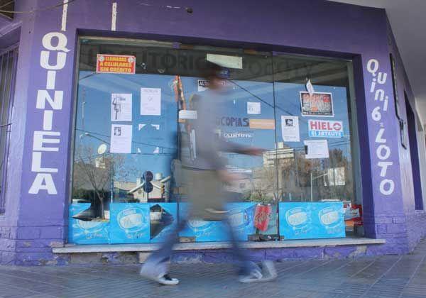 Cada vez más locales comerciales vacíos en el centro de Cipolletti