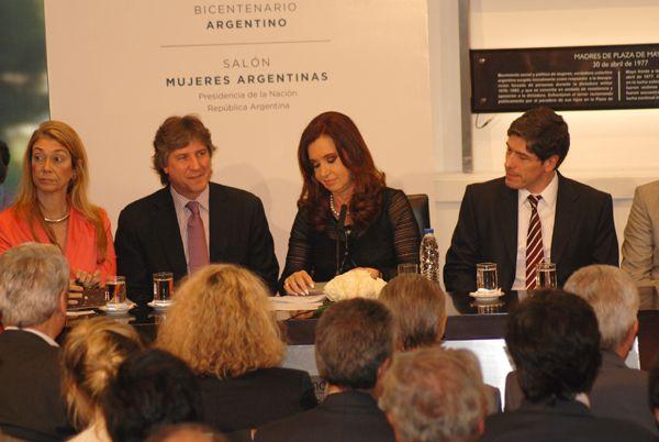 Weretilneck junto a Cristina en Casa Rosada