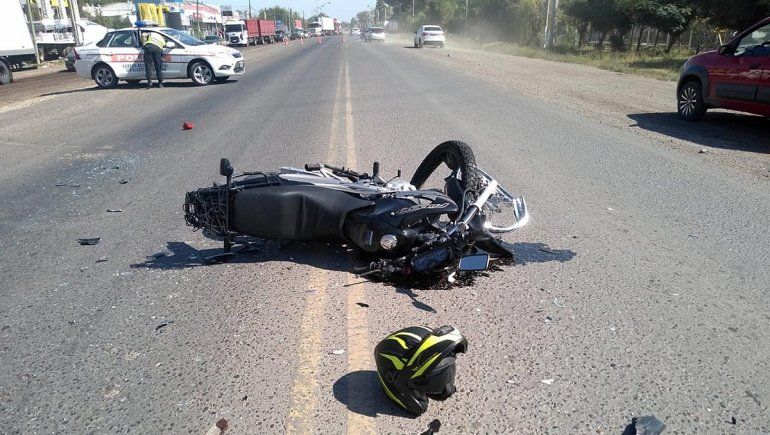 Un motociclista murió en un brutal accidente en Ruta 22