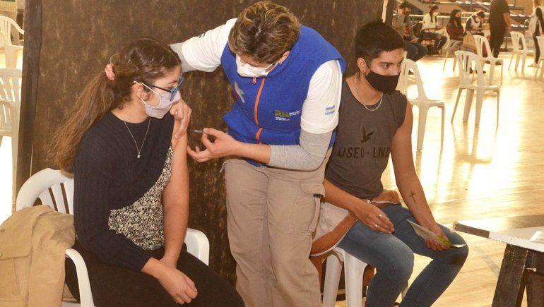 Los más jóvenes coparon la vacunación en Cipolletti