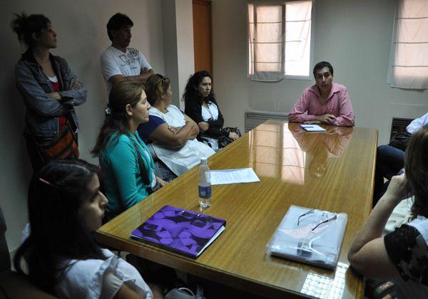 Bravo se reunió con docentes y padres de la Escuela Primaria 221