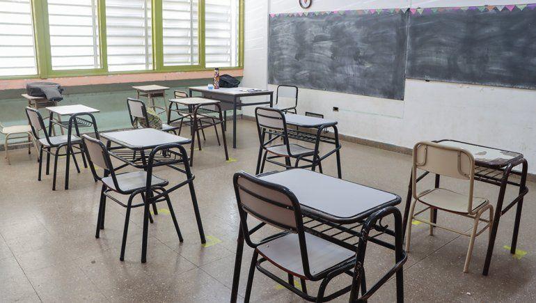 Los docentes cipoleños no quieren saber nada del regreso a la presencialidad ante la gravedad de la etapa pandémica actual.