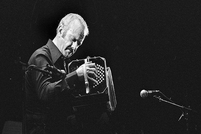 Rinden tributo a Piazzolla en el Complejo Cultural Cipolletti