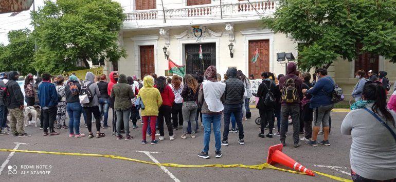 La movilización contra la avanzada judicial también se hizo frente a Casa de Gobierno