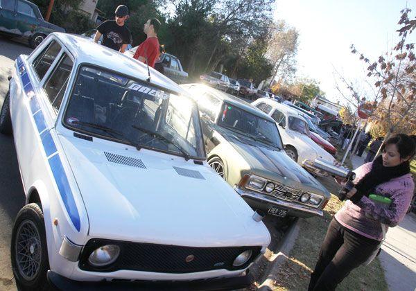Autos clásicos y antiguos en el Rosauer