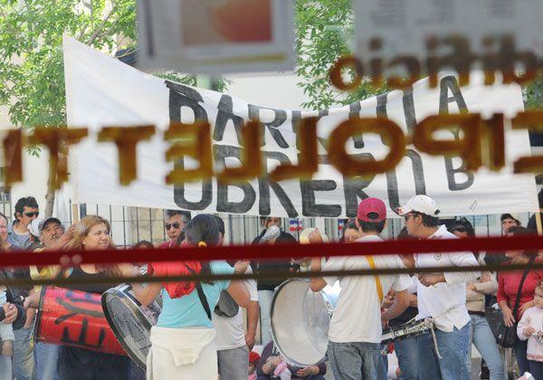 Ocupantes cortan las calles 9 de Julio y Belgrano