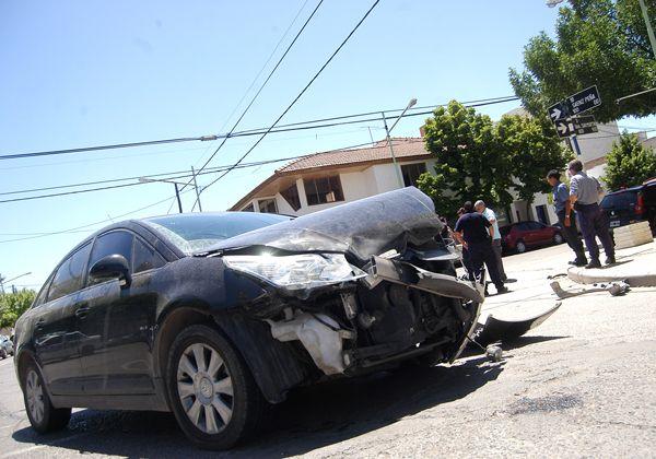 Un herido por una violenta colisión