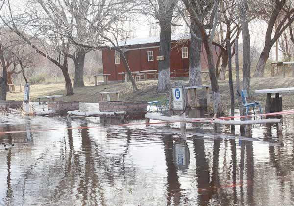 El río Negro alcanzará hoy su caudal máximo