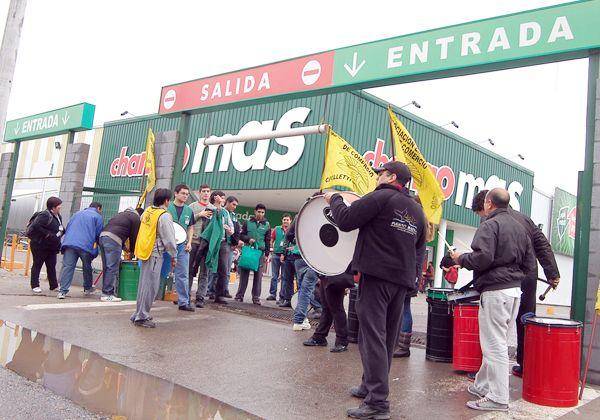 Protestan por igualdad de salarios con Neuquén