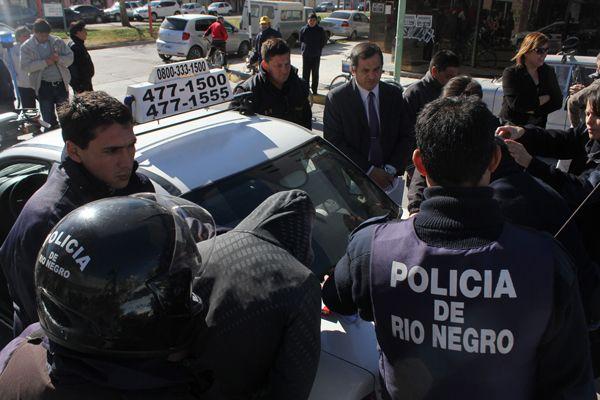 Detenidos luego de robar en un comercio de ropa