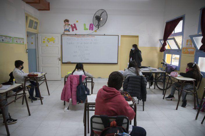 Por el momento, Educación no suspendió las clases