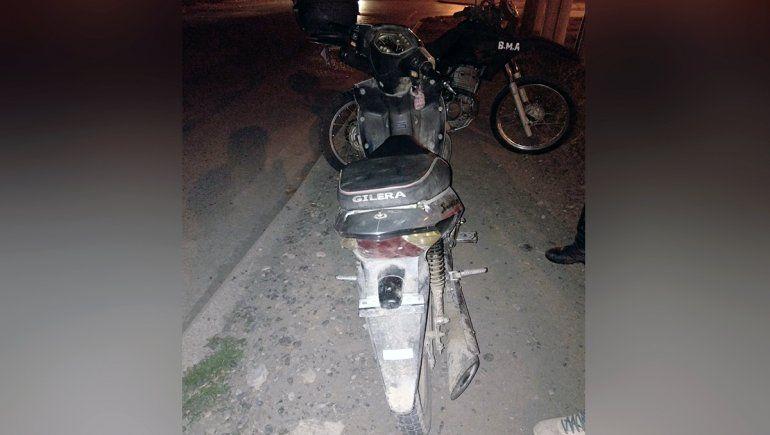 Manejaba una moto robada y lo atrapó la Policía