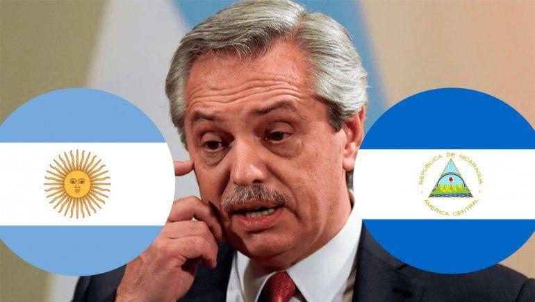 El viral y grosero error de Alberto en las redes: confundió la bandera