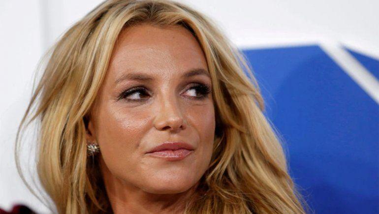 Con nuevo abogado y entre lágrimas, Britney Spears acusó a su padre de abuso de tutela