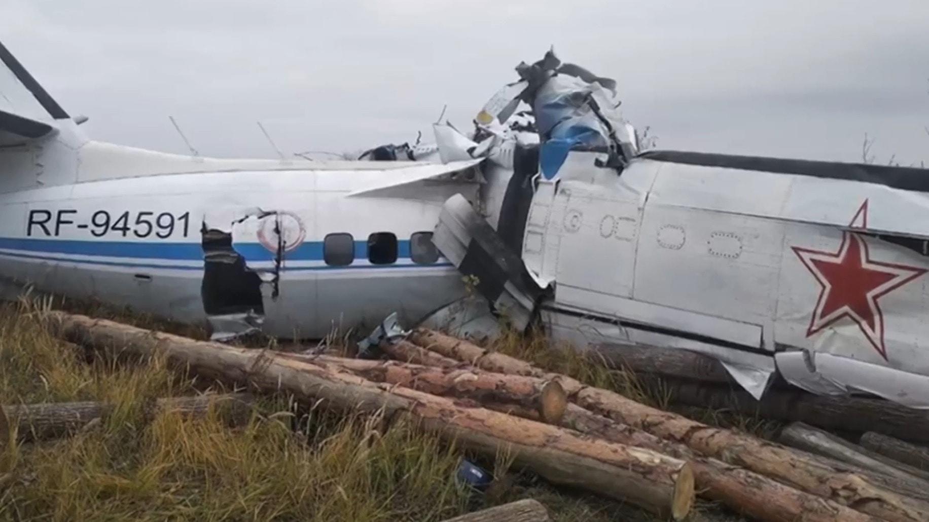 rusia: se estrello un avion l-410 y hay al menos 16 muertos