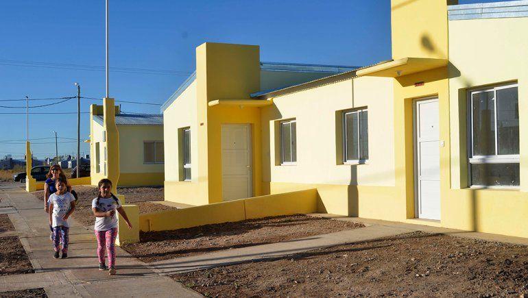 Entregan 95 nuevas casas en el Distrito Vecinal
