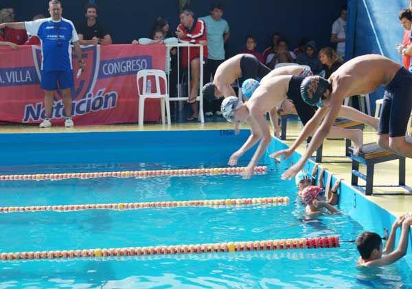 El Albinegro, invencible en la natación rionegrina