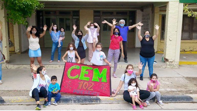 La comunidad educativa del CEM 102 volvió a emocionar con otro video.