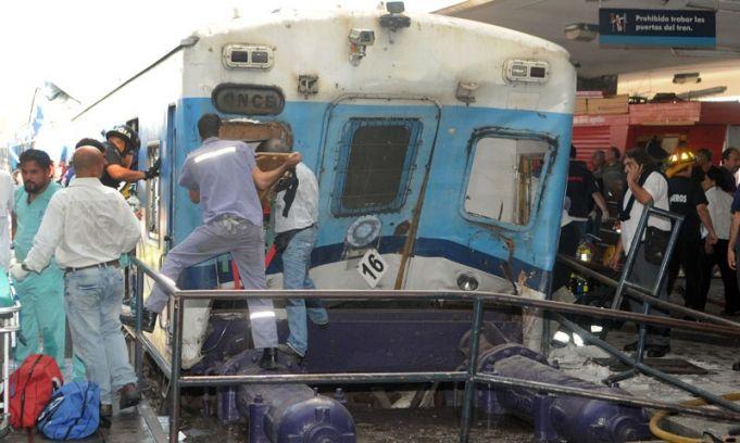 Ascienden a 50 los muertos y 703 los heridos por la tragedia ferroviaria en Once