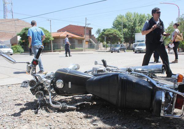 Motociclista herida en un choque