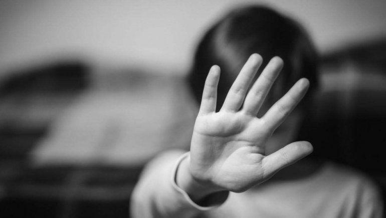 Denuncian que forzaron a parir a una niña de 12 años embarazada de gemelos tras violación