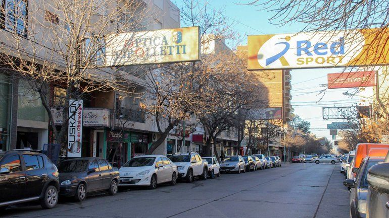 El sector mercantil formal de la ciudad sigue sin levantar cabeza y se hunde en la falta de perspectivas.