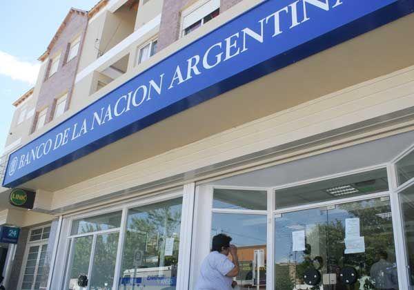 Bancarios esperan definición de salarios
