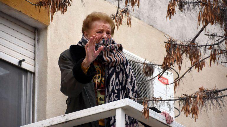 Mariachis le cantaron el feliz cumple a una maestra de la vida