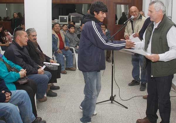Cáritas entregó diplomas por capacitación en oficios