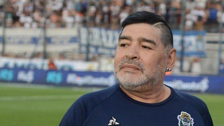 Revelan que Maradona se cayó y se golpeó la cabeza unos días antes de su muerte
