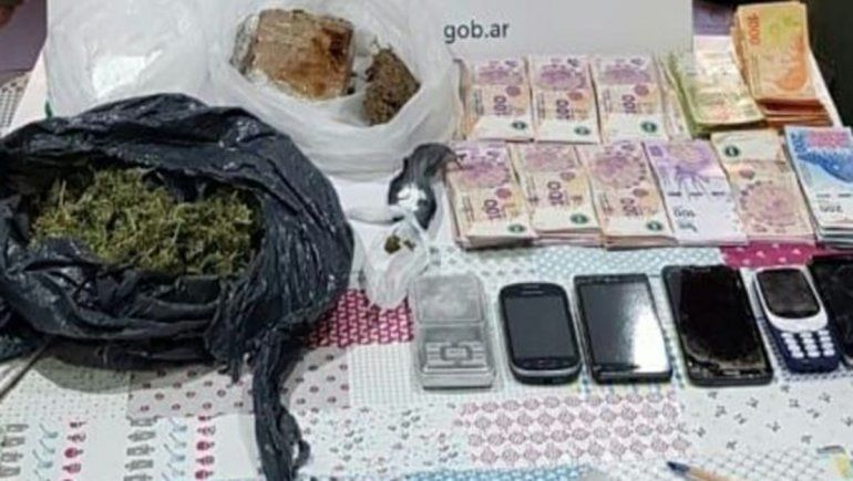 Allanamientos de Gendarmería en Cipolletti: secuestraron droga y detuvieron a un hombre