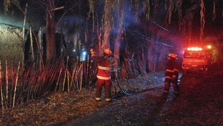Tragedia en Roca: un hombre murió tras incendiarse su vivienda