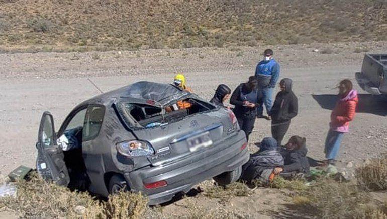 Una cipoleña y una allense heridas tras brutal vuelco en Chubut