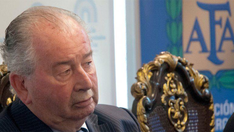 Julio Grondona, el ferretero que se adueñó del fútbol durante 35 años