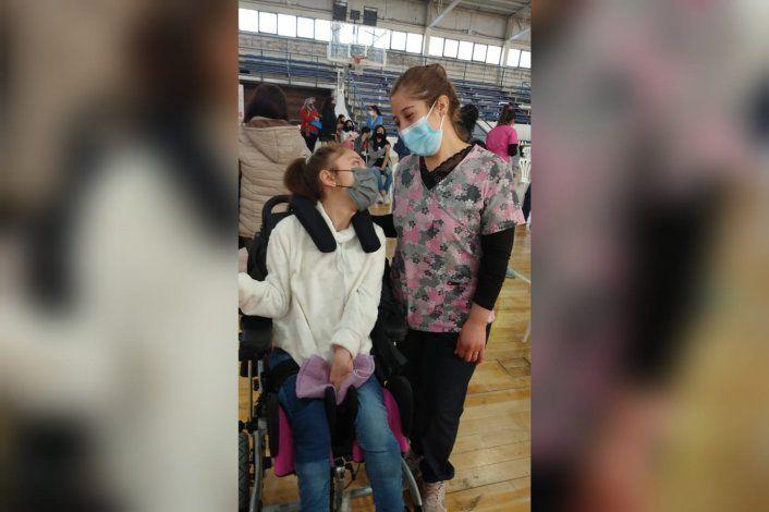 María Paz, feliz con la vacuna que le permitirá volver al cole