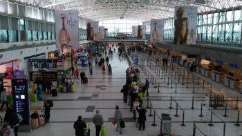 Restringirán vuelos desde y hacia Estados Unidos, Europa, México y Brasil