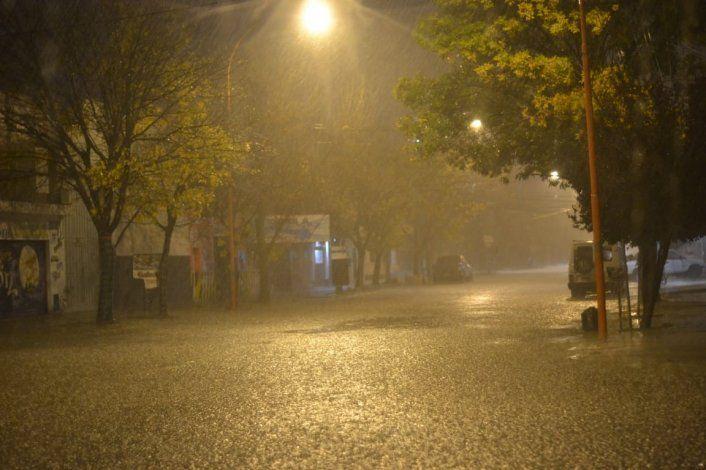 Continúa el temporal de lluvia en la región y se extendería hasta la madrugada