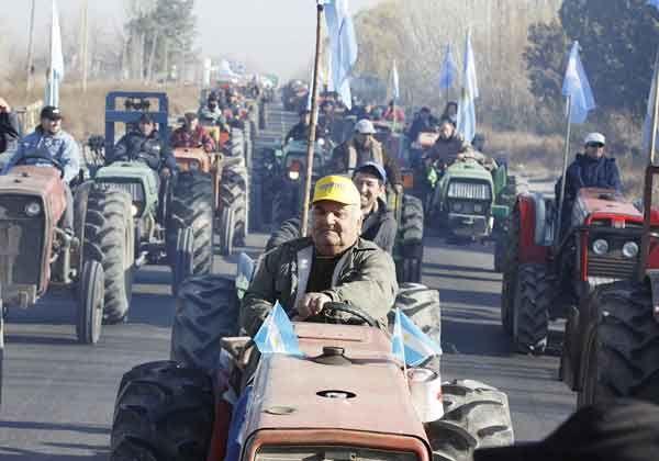 Masivo tractorazo en el Alto Valle