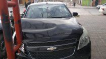 una mujer herida tras un brutal choque entre dos autos