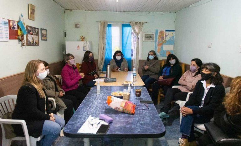 La candidata a diputada por el peronismo Ana Marks visitó Cipolletti