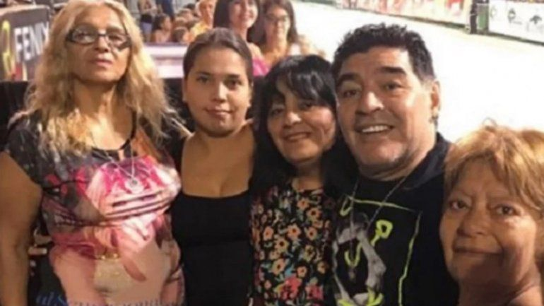 La hermana de Maradona disparó contra Dalma y Gianinna: Estaba abandonado por las hijas