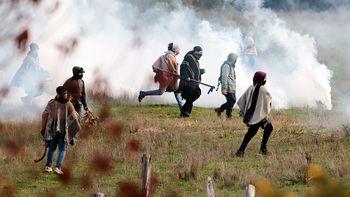 Un manual mapuche enseña a generar caos y destruir