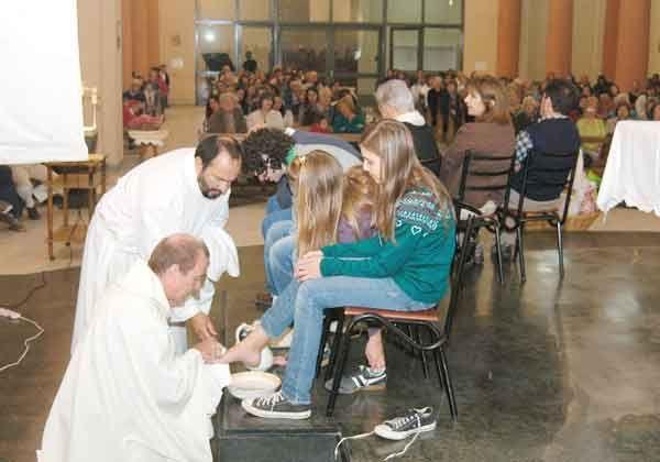 Empezó el Triduo Pascual en las capillas