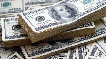 El dólar blue sigue en caída y pierde 22 pesos en una semana